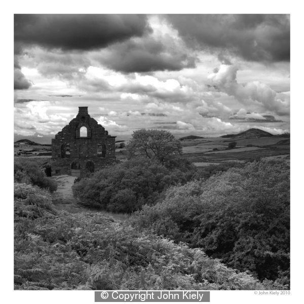 Cwmystraddlyn by John Kiely