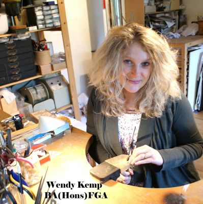 Wendy Kemp using a mug shot for buyer confidence