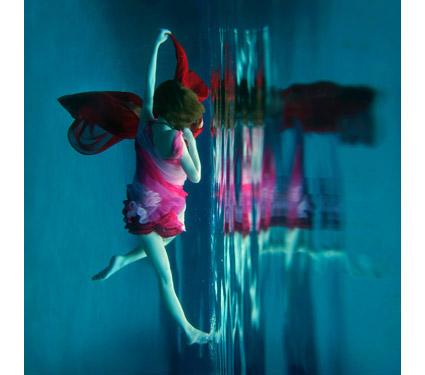 Dreamlike underwater photography by Kathleen Wilke